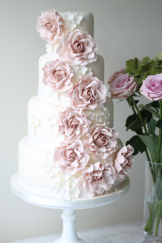 wedding cake that looks like bride wedding cakes what will your wedding cake look like in 26248